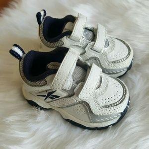 Reebok versaflex infant white blue sneakers Size 2